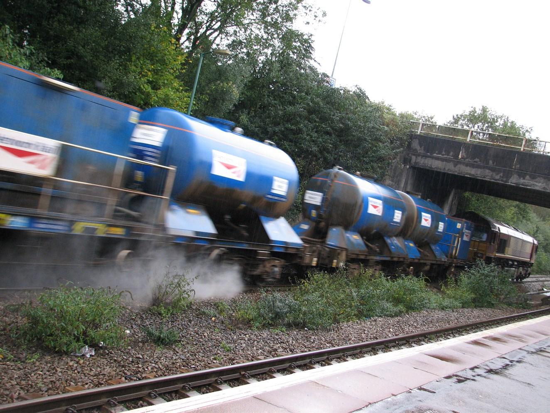 BIGGEST EVER CAMPAIGN UNVEILED FOR AUTUMN LEAF-FALL BATTLE (EAST ANGLIA): Rail Head Treatment Train