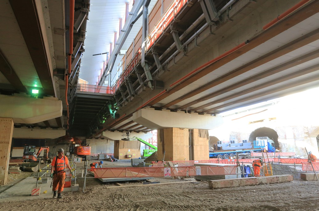 Four weeks to go before cross-London Thameslink trains stop calling at London Bridge rail station: New platforms and the new concourse take shape at London Bridge station