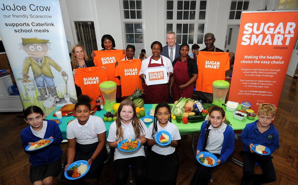 SUGAR SMART Islington: Thornhill Primary School students and Caterlink staff enjoy healthy, low-sugar school meals: Thornhill Primary School students and Caterlink staff enjoy healthy, low-sugar school meals