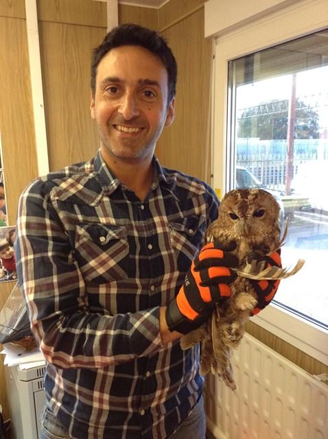 Tony the Tawny with Network Rail's Joseph Spiteri-Braysford-2