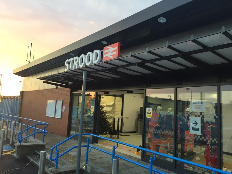 Southeastern opens a new Strood railway station for Medway passengers: Strood Station