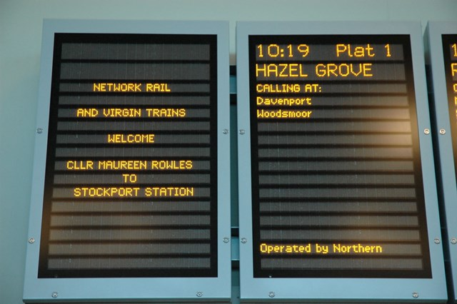 Stockport information screens: Message of welcome for Councillor Maureen Rowles, demonstrationg the flexibility of the system (11 December 2006).
