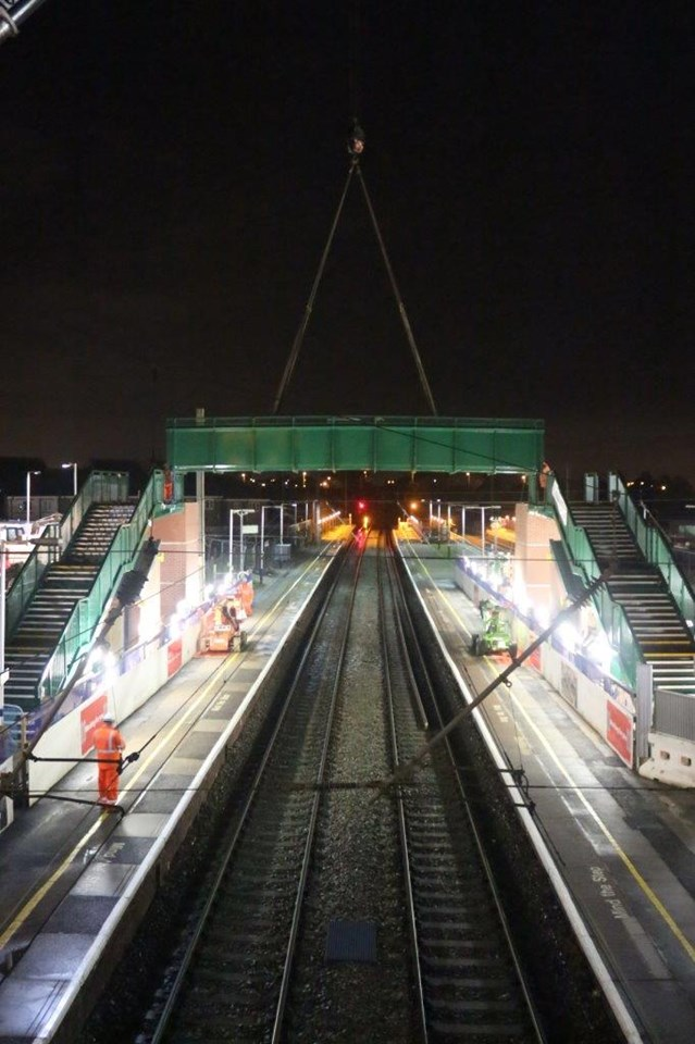 Leyland Bridge Lift Dec 15