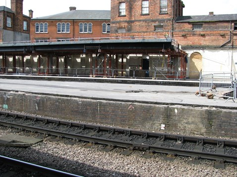 Platforms 1a 2a and 3a Derby Station