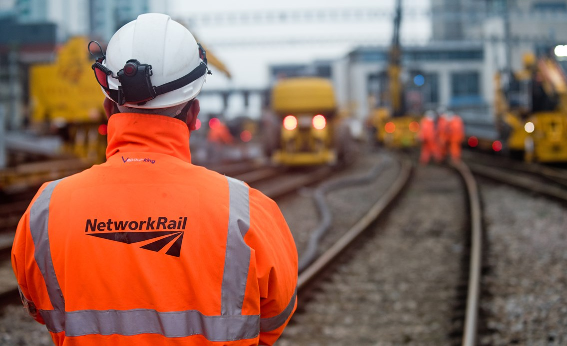 South Wales passengers urged to check before they travel as electrification work continues: Cardiff 261218 016