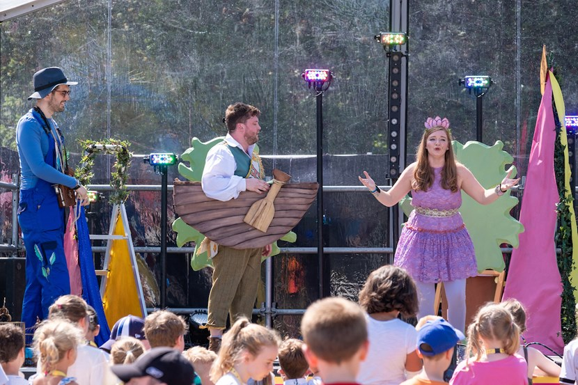 THE MINI MAGIC FLUTE: A FAIRYTALE OPERA FOR ALL AGES COMES TO LEEDS CENTRAL LIBRARY: minimagicflute12-648182.jpg