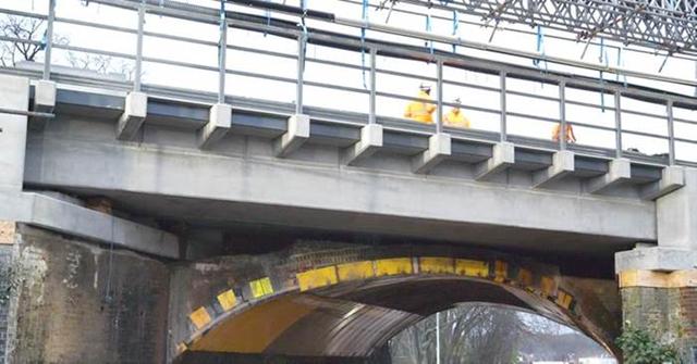 Sanderstead Road railway bridge