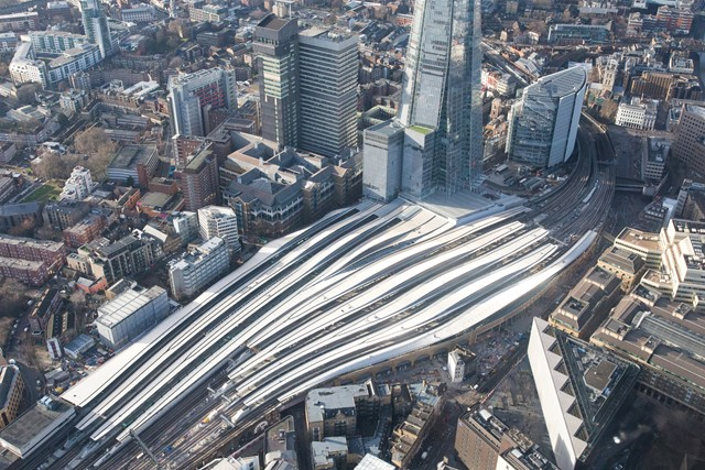 Double success for Thameslink Programme projects: Aerial Dec 26 - London Bridge landscape