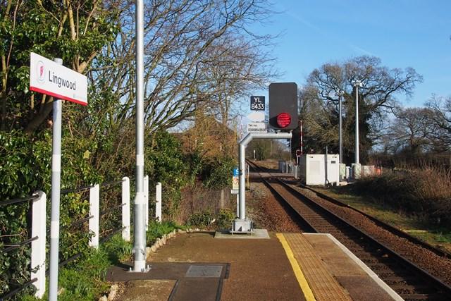 Lingwood station signal 1