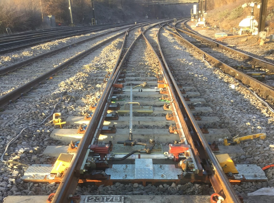 Bedfordshire passengers urged to plan ahead as Midland Main Line Upgrade continues: An example of swtiches and crossings