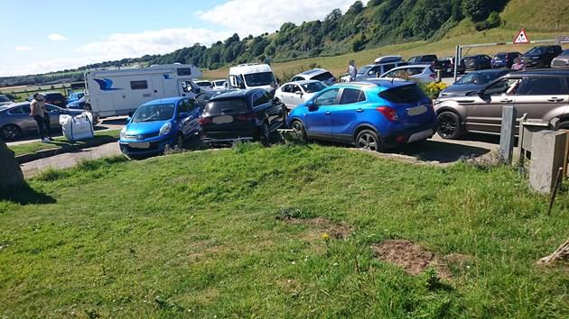St Cyrus car park congestion - 2021 - credit NatureScot