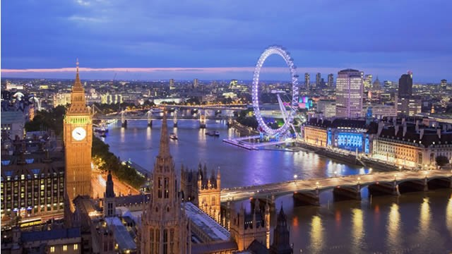Record numbers of visitors come to London : 67898-640x360-tourism_ns.jpg