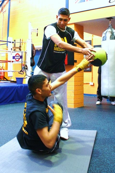 Amir training with protégée Umar at Gloves gym 001