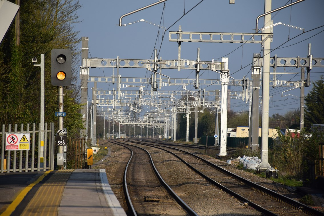 New trains on the way as Thames Valley electrification reaches major milestone: OLE taplow