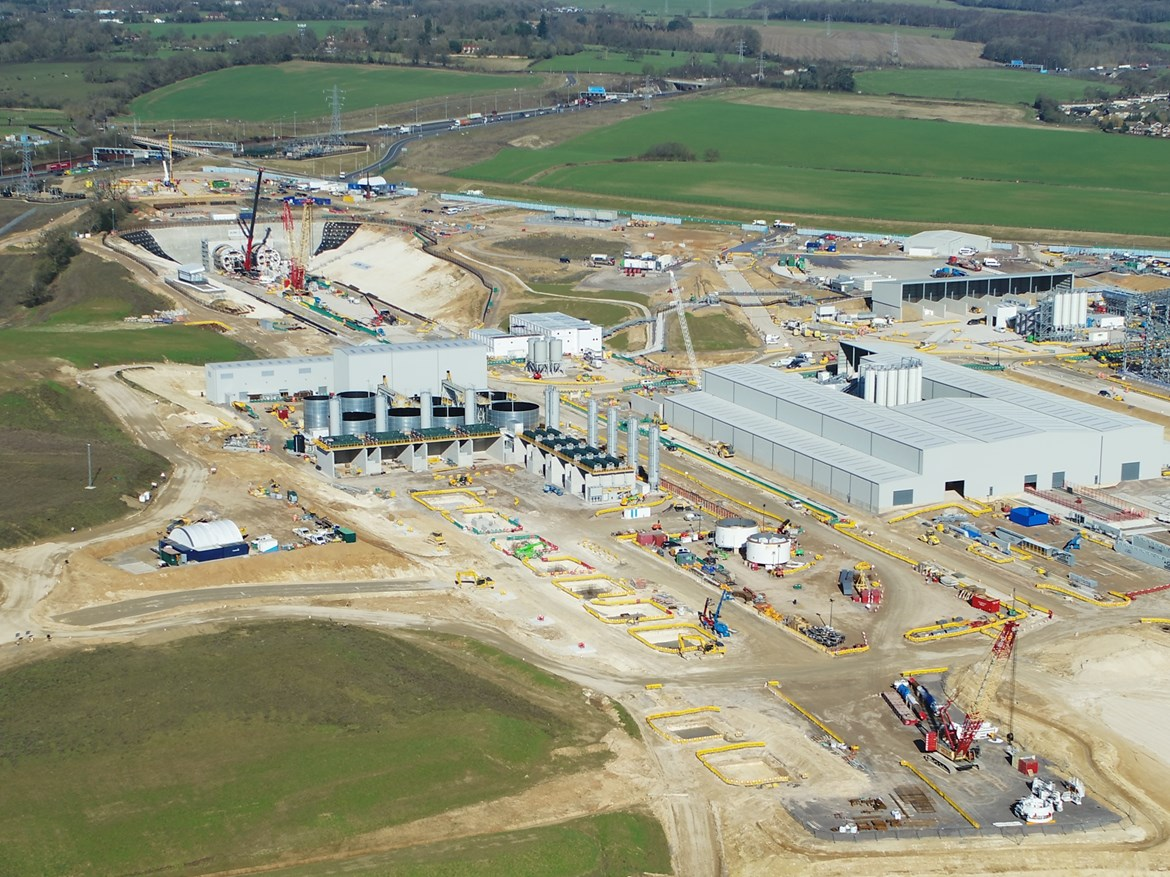 Slurry Treatment Plant (STP): Image shows the STP in late stage construction with the Chilterns tunnel south portal behind