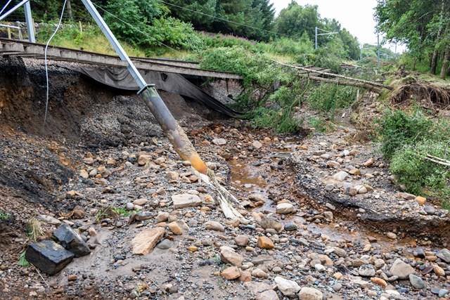 Scale of flood damage on Edinburgh- Glasgow line revealed: EandG dmage image 3