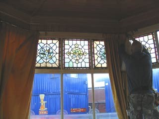 Stalybridge buffet bar - removal of the old windows