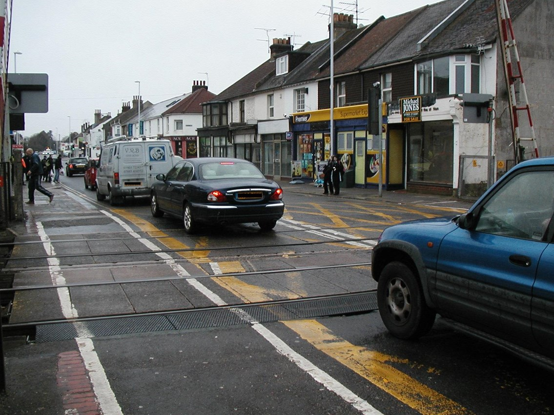 NETWORK RAIL ASKS WEST WORTHING 'WOULD IT KILL YOU TO WAIT?': West Worthing Level Crossing - Box Junction