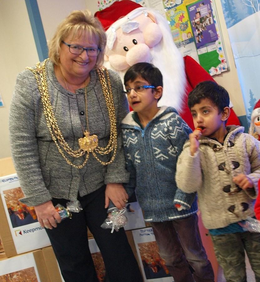 Housing regeneration project delivers Christmas cheer to children's ward: lmlittlecupsofcheer.jpg