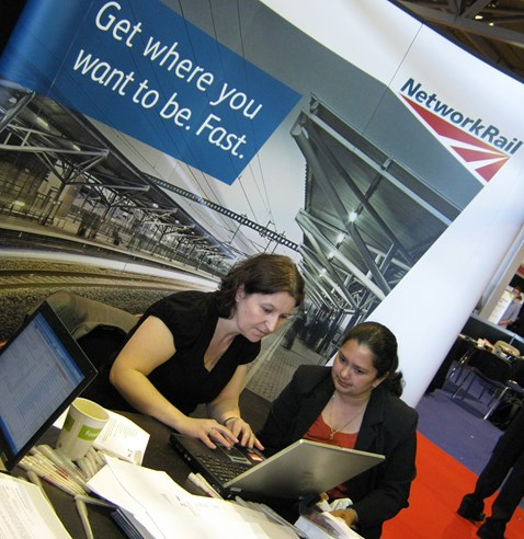 Network Rail speak to rail career hopefuls at recruitment exhibition (1)