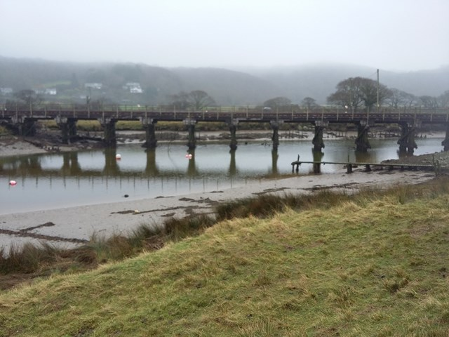 Network Rail is carrying out improvement work to the River Artro viaduct in Gwynedd as part of the Railway Upgrade Plan