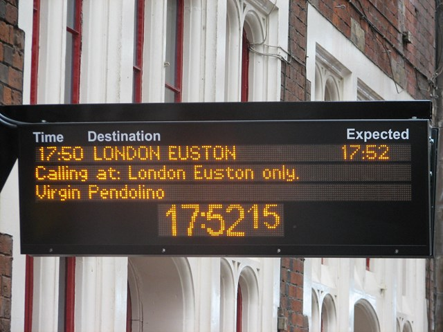 Customer Information Screens: New CIS at Stoke-on-Trent, part of a £6.6m investmentment by Network Rail and the DfT. Similar screens are being introduced at 24 stations throughout the LNW route.  (August 2006)