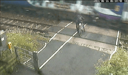 Cyclist near-miss at Ducketts level crossing in 2016